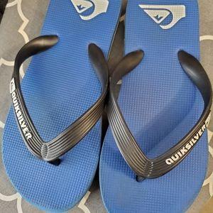 Quiksilver boys flip flops size 2